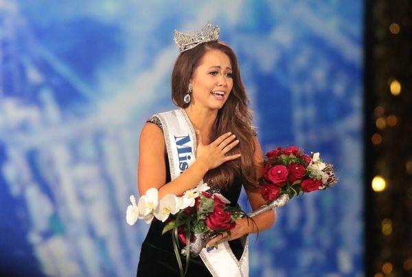 Cara Mund of North Dakota wins Miss America 2018