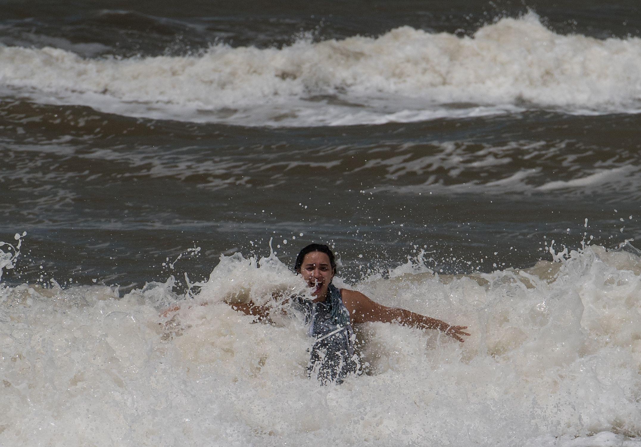 Florida woman surf