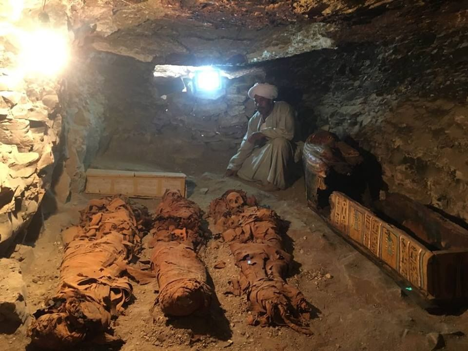 Best Family Van >> Ancient Egypt: Mummies and Treasures 3,500 Years Old Uncovered in Tomb of Royal Jeweler