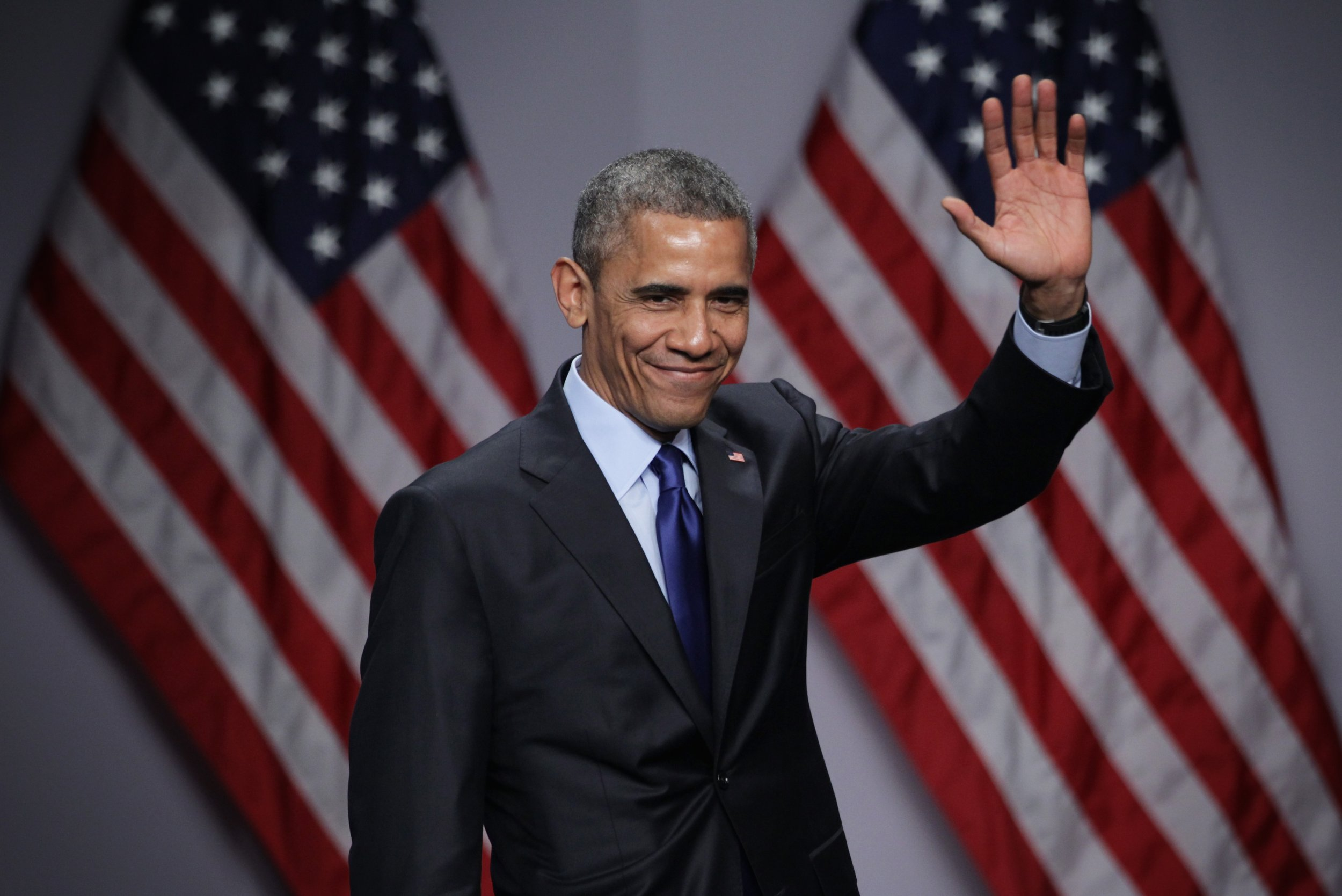 Barack Obama wants you to come to his Chicago leadership summit—and to change America