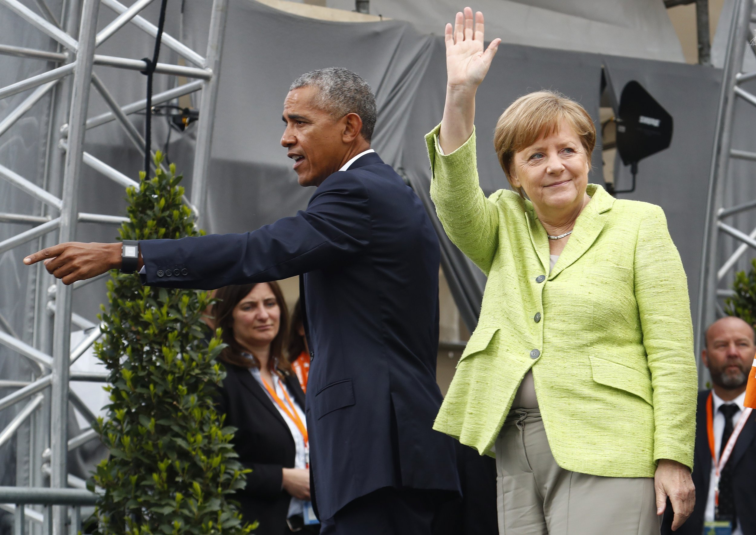 obama is now campaigning for germany 39 s angela merkel or. Black Bedroom Furniture Sets. Home Design Ideas
