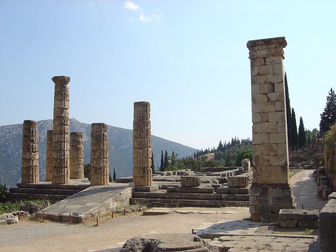 14_09_Delphi_Temple