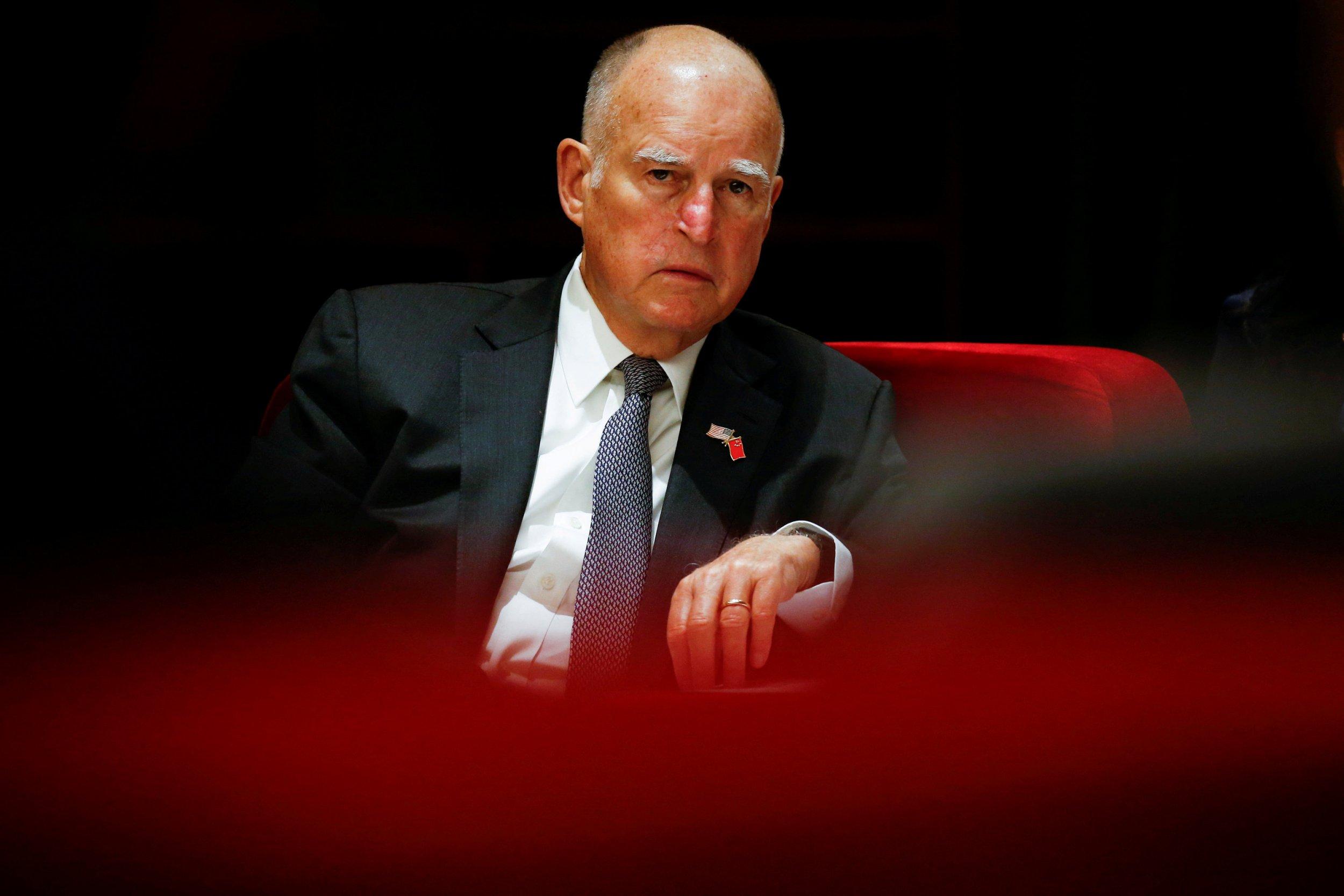 2017-09-16T104229Z_2_LYNXNPED8E0SC_RTROPTP_4_CALIFORNIA-POLITICS