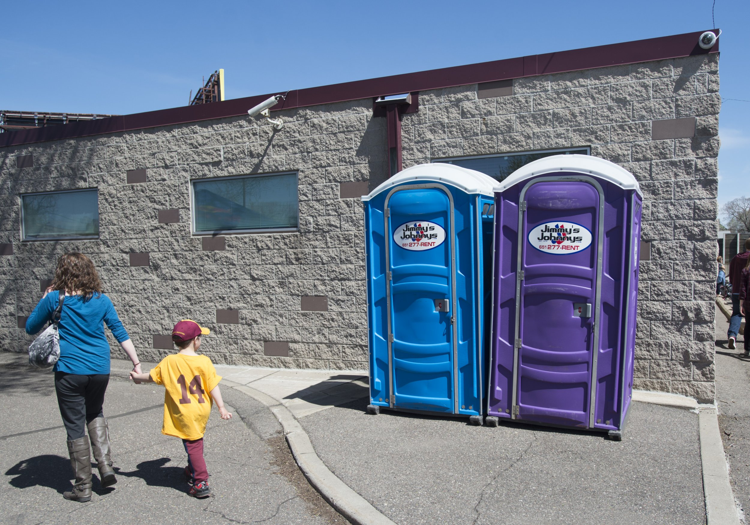 09_17_Portable Restrooms