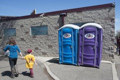 09_17_Portable Restrooms