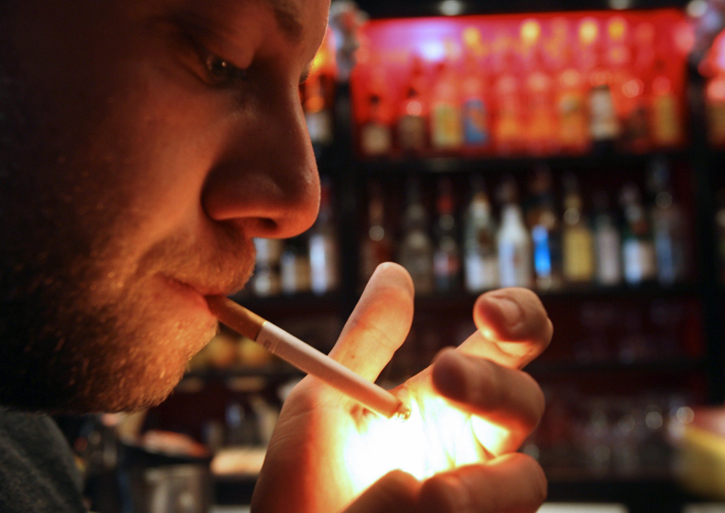 Smoking Cigarettes Smell In Clothes And Furniture Can Damage Brain Liver