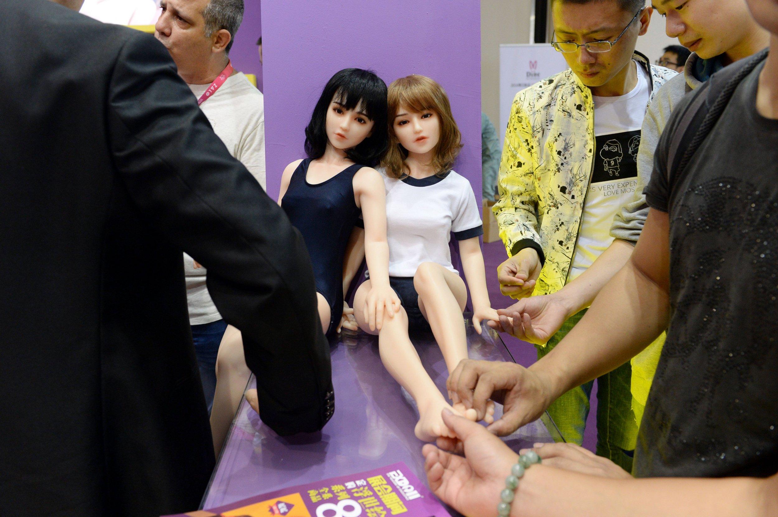 09_20_China_SexDolls