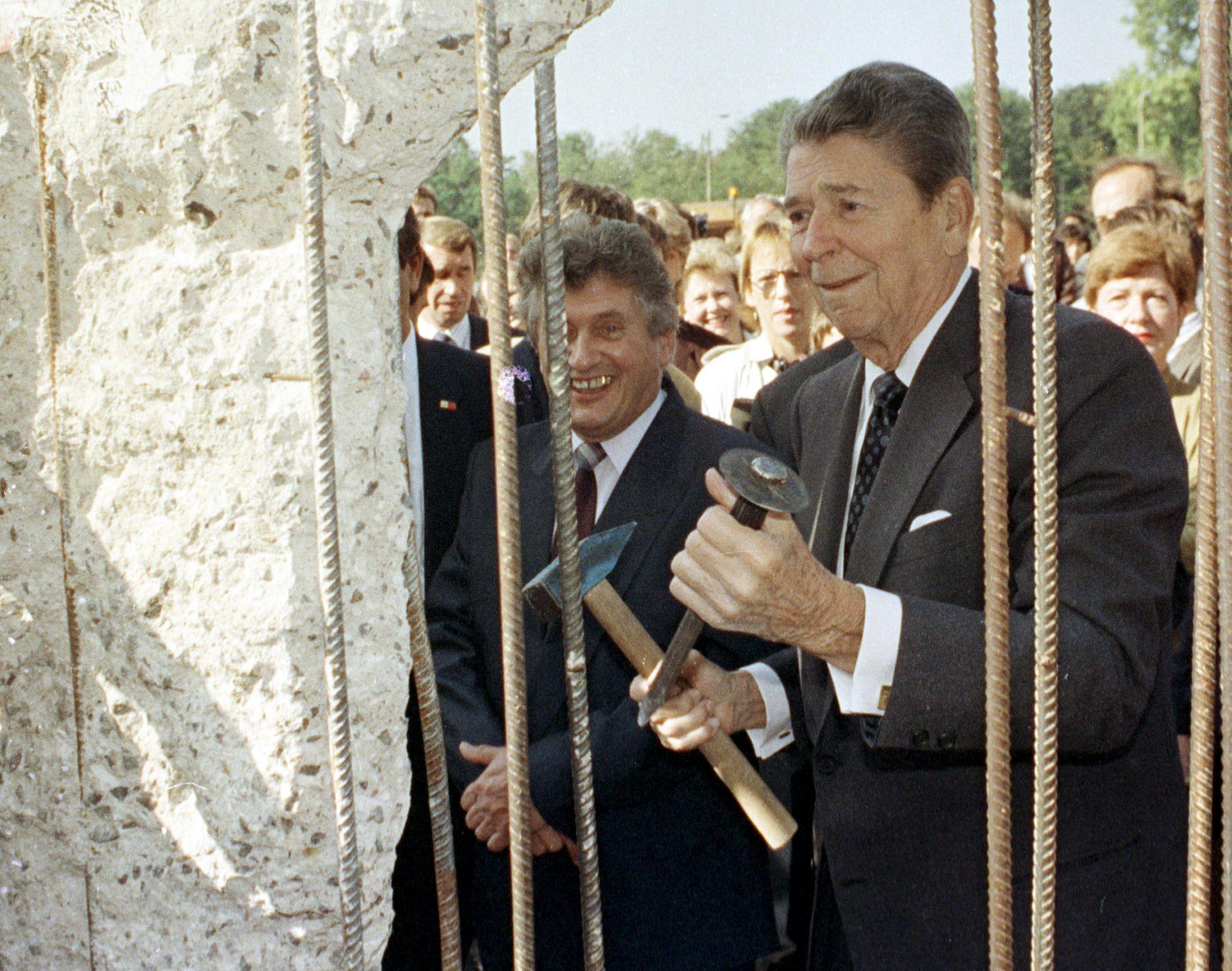 09_20_17_Reagan_Berlin