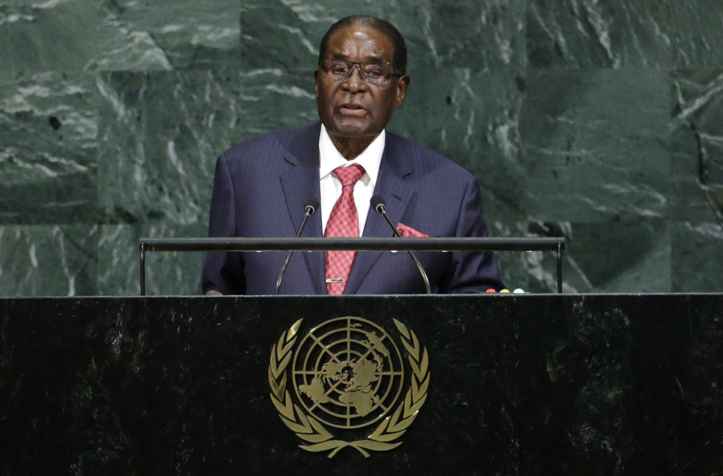0922_Mugabe_Trump