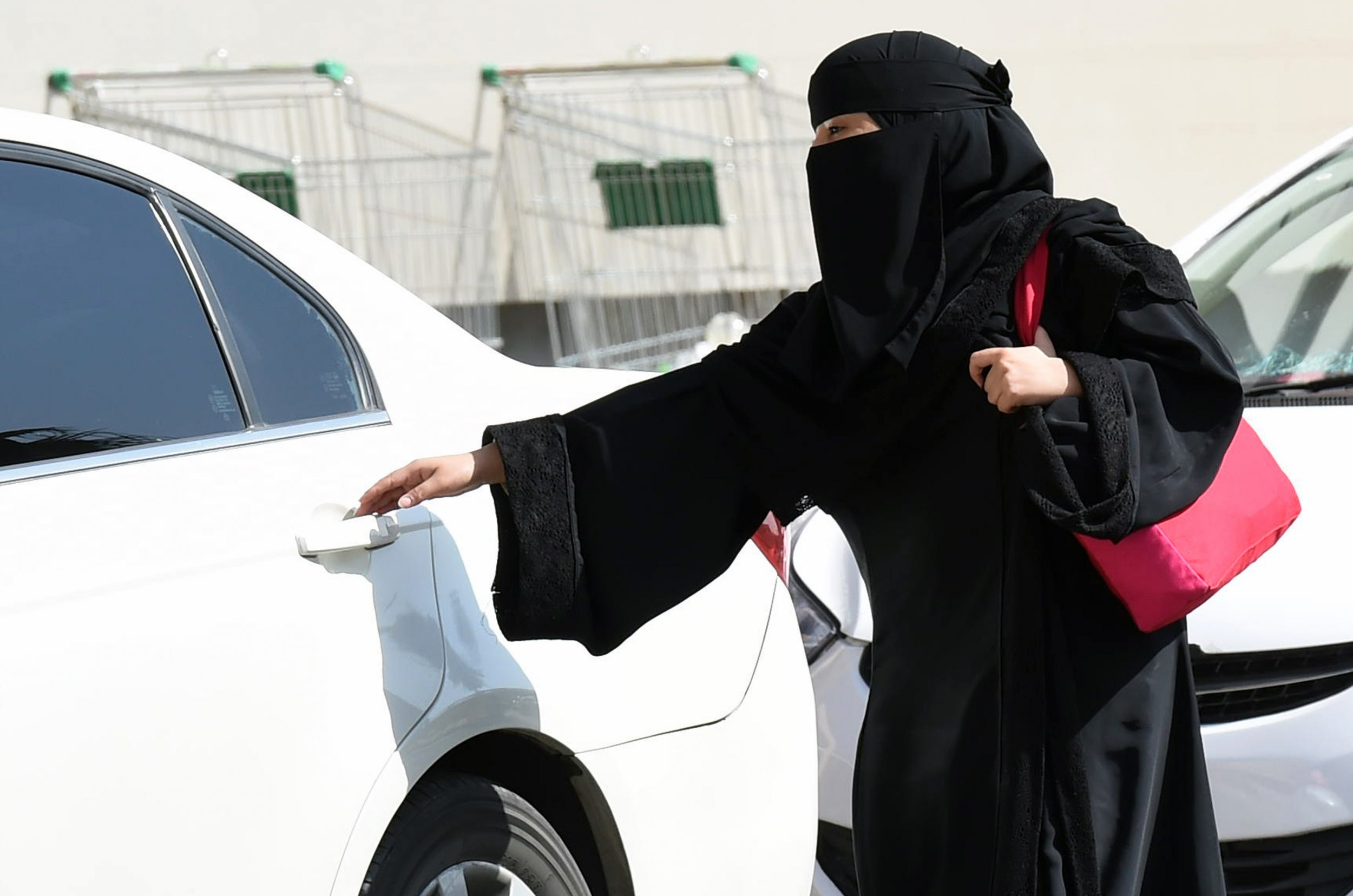 Saudi preacher banned for saying women drivers have quarter the brain of men