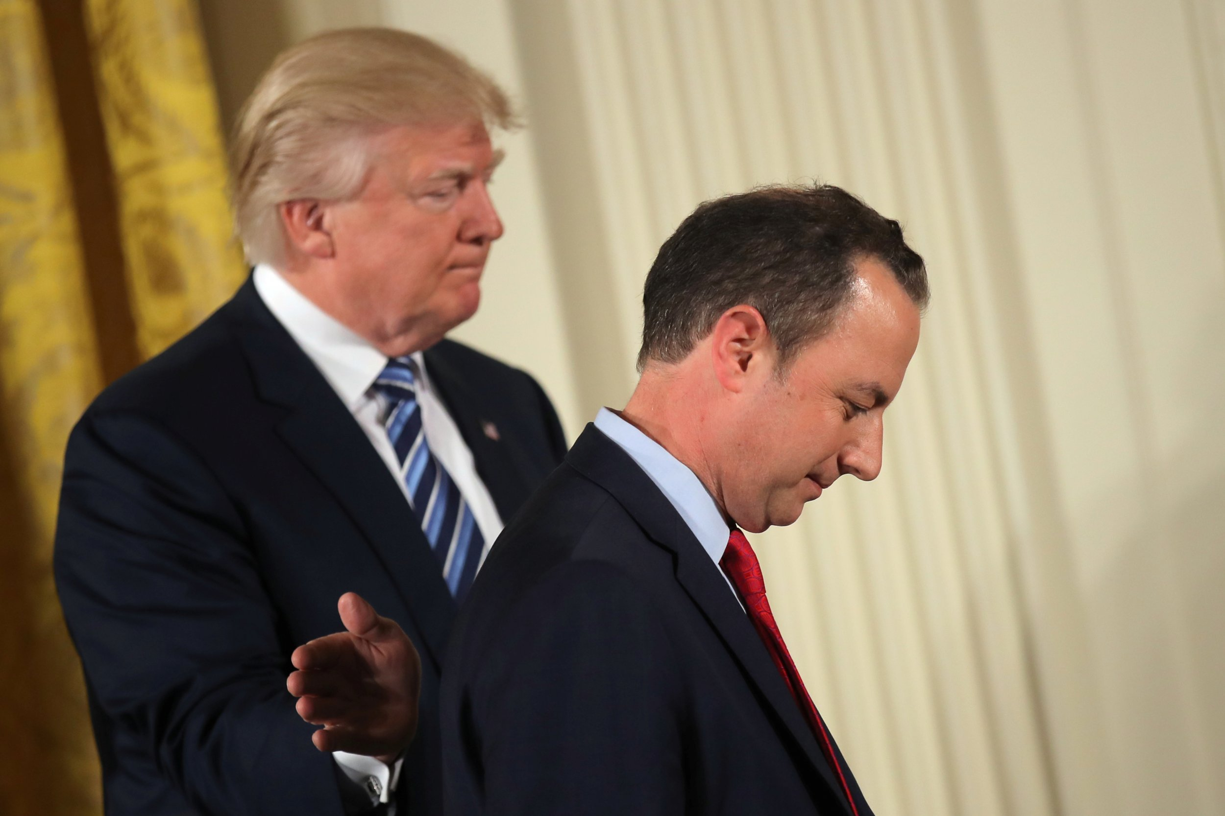 Oh snap! Donnie Two Scoops unfollows Reince Priebus on Twitter. There can be no bigger insult in Trump World.