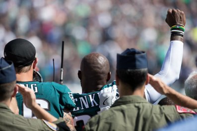 0925_Military_Veterans_NFL_Protest_Trump