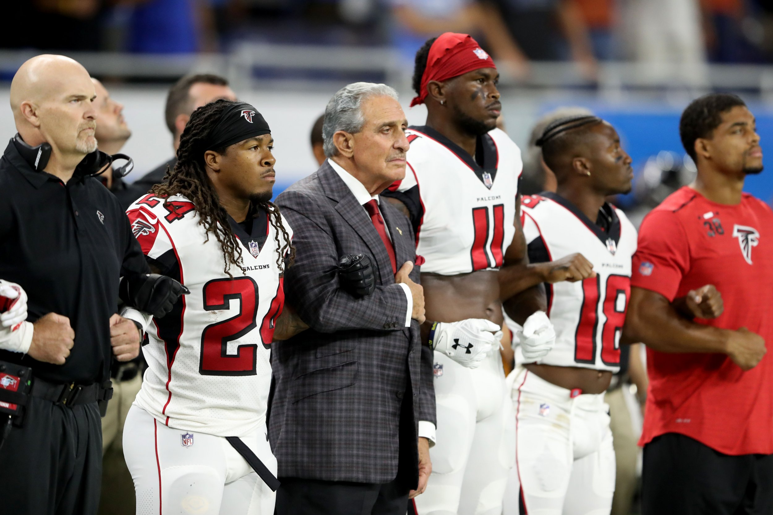 0925_NFL_Take_Knee_Protest