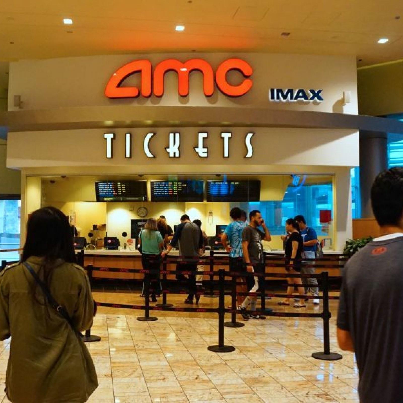 Will Virtual Reality Save Movie Theaters? AMC Makes Big