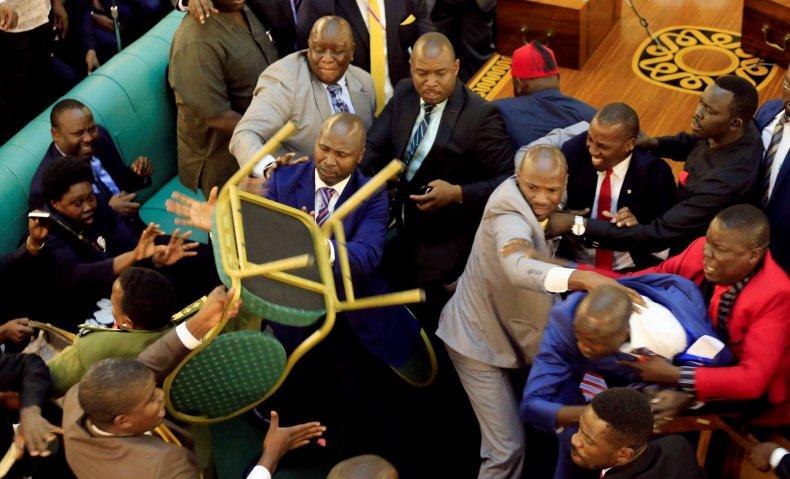 0928_Uganda_parliament
