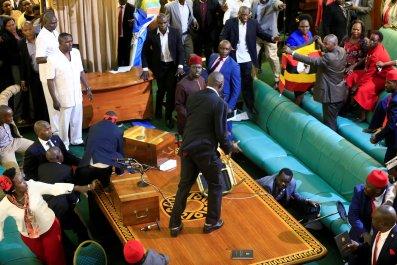 0928_Uganda_parliament_2