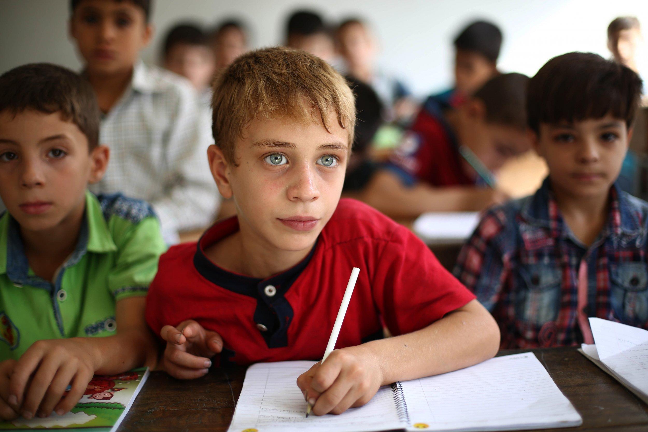 09_28_boys in school_01