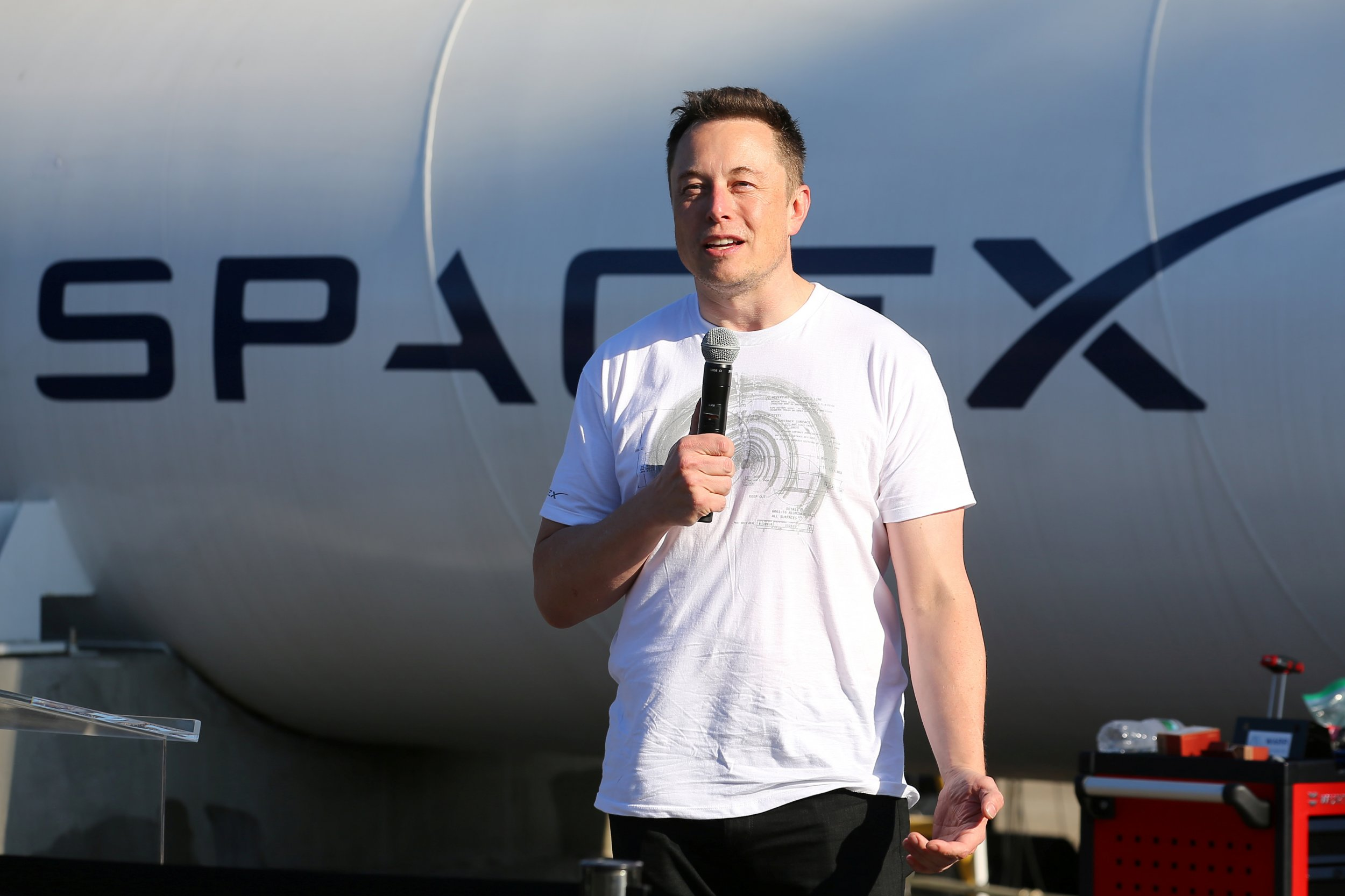 Elon Musk Says He Can Fix Puerto Rico S Energy Crisis With