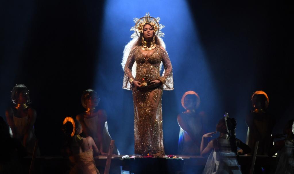 Beyonce teams up with J Balvin on 'Mi Gente' Remix