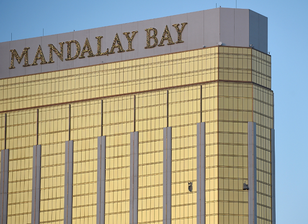Where is the Mandalay Bay Hotel in Las Vegas?