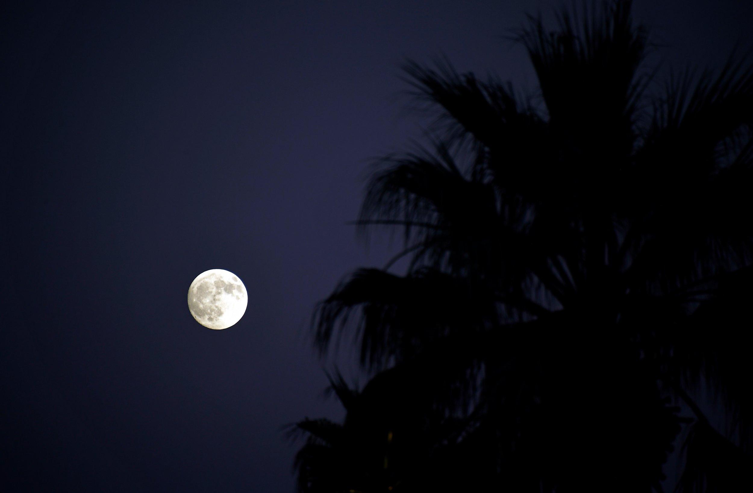 10_02_october_full_harvest_moon