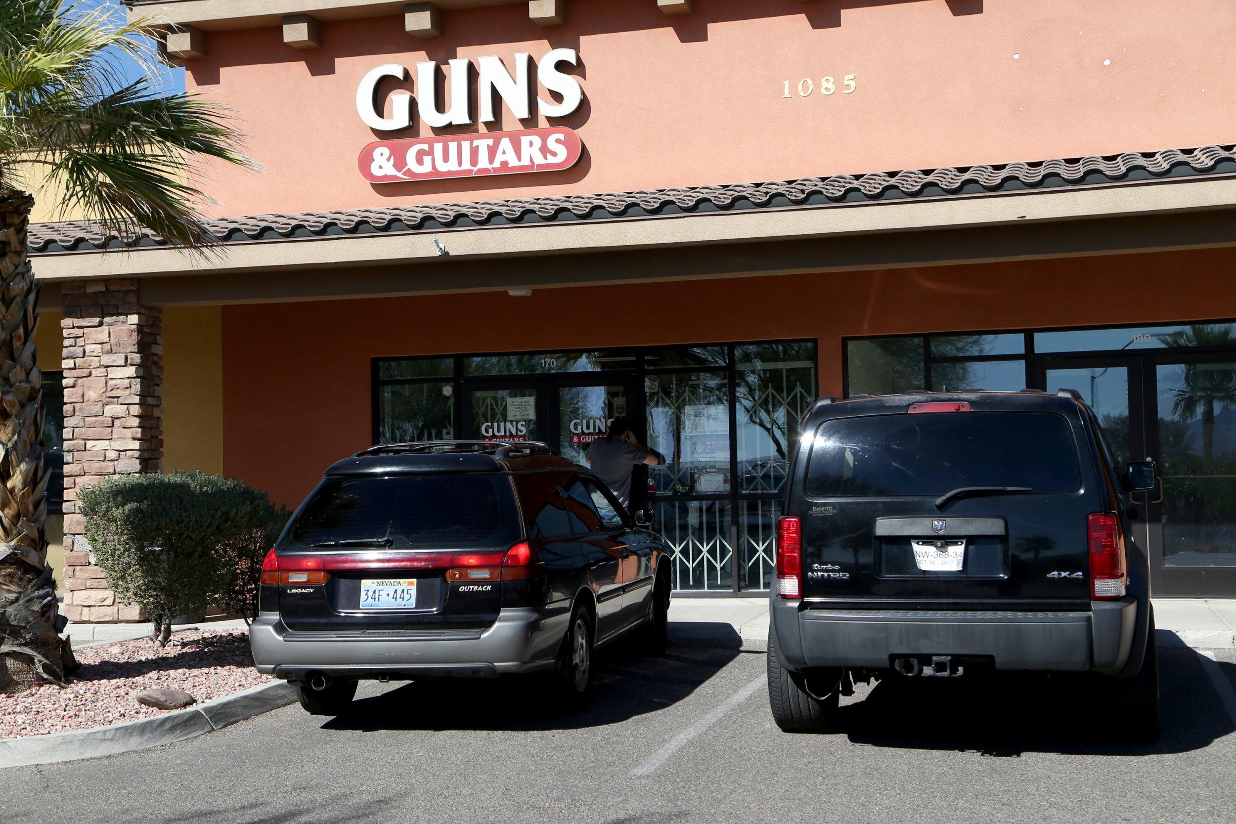 1003_Las_Vegas_guns_2
