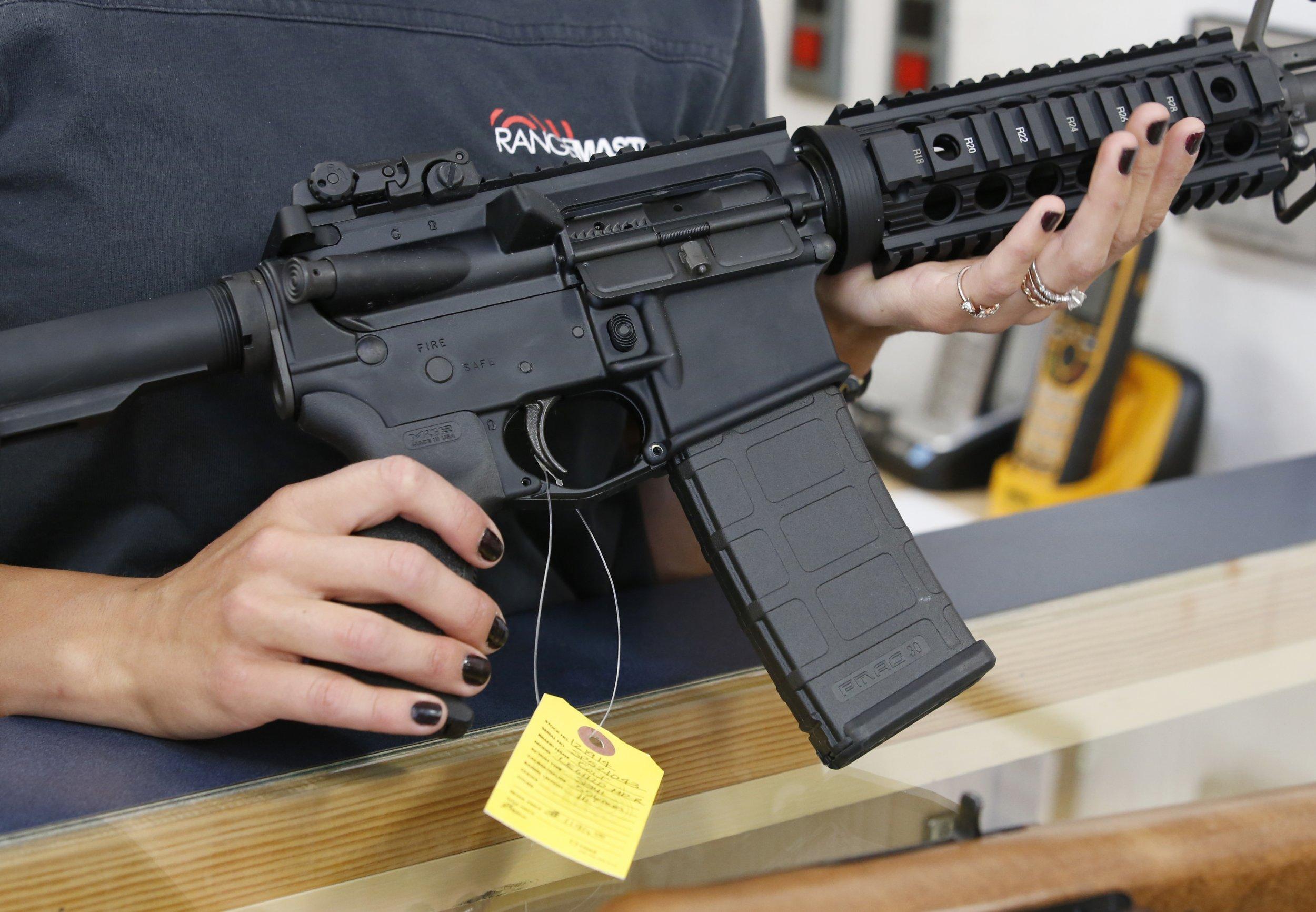 10_03_Semi_Automatic_Gun