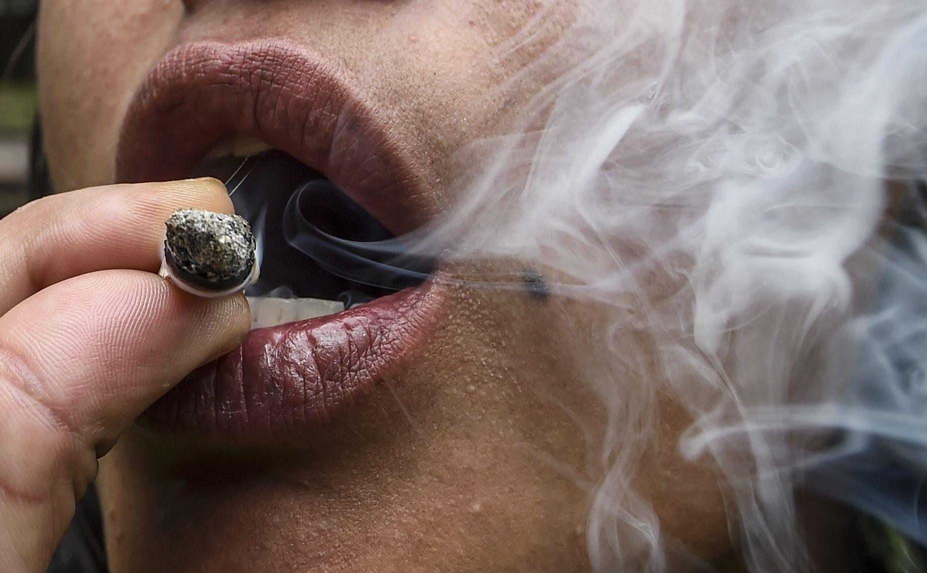 10_3_Smoking Marijuana