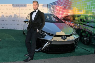 Lance Bass slams gay blood donation law