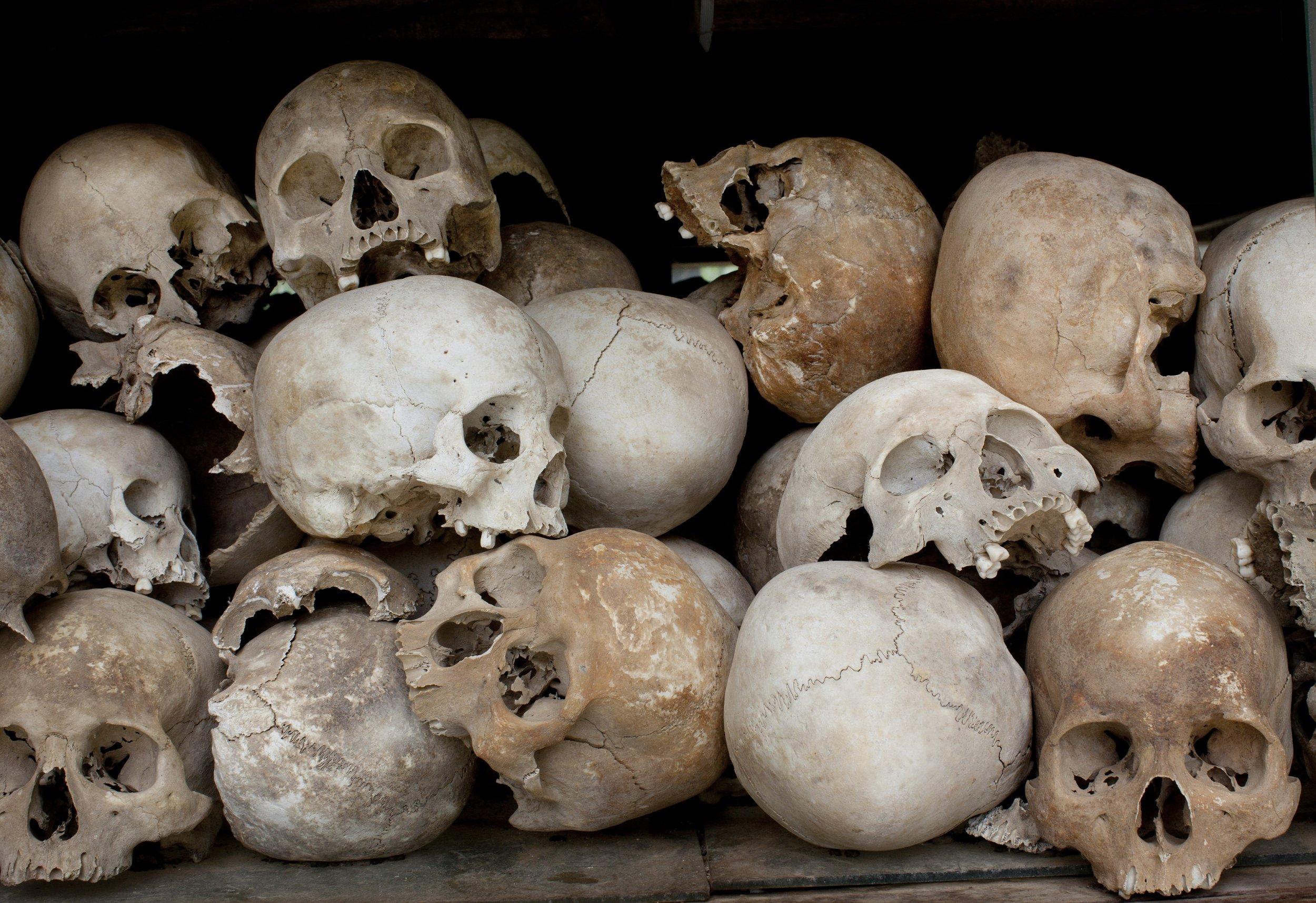 Pile_Human_Skulls