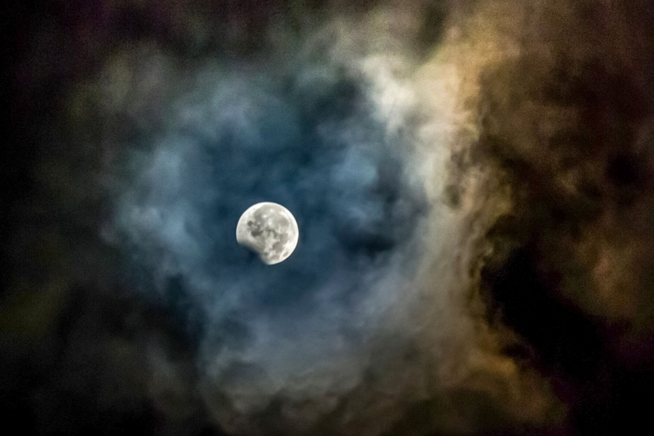 The Moon May Have Had An Atmosphere For 70 Million Years
