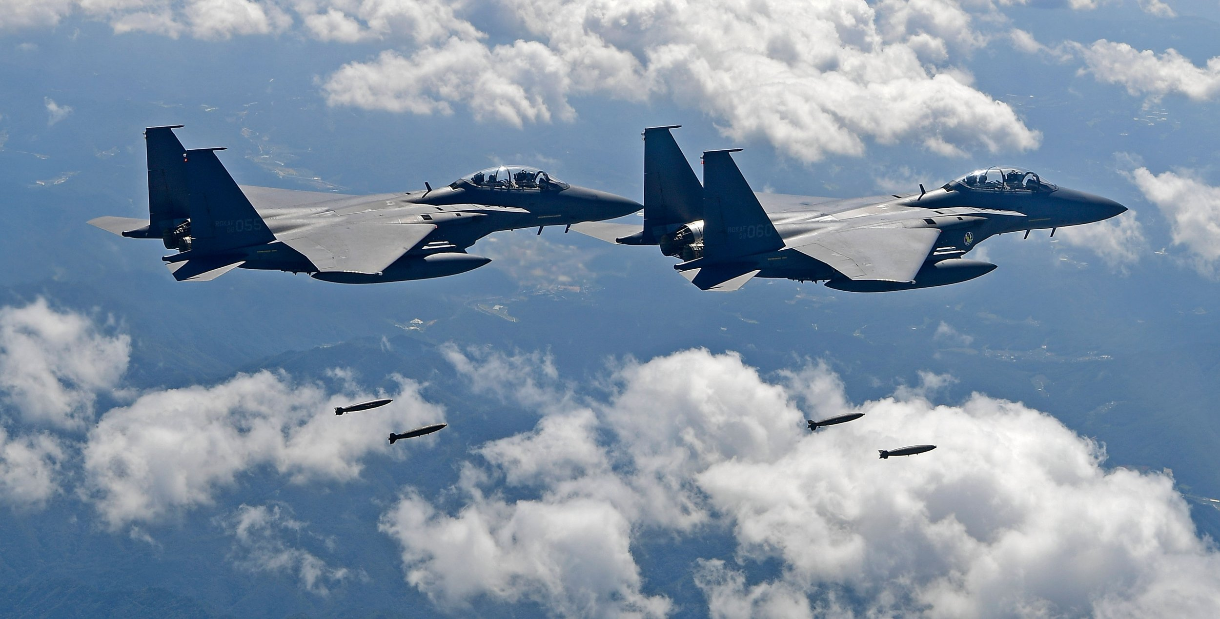10_09_South_Korea_Jets