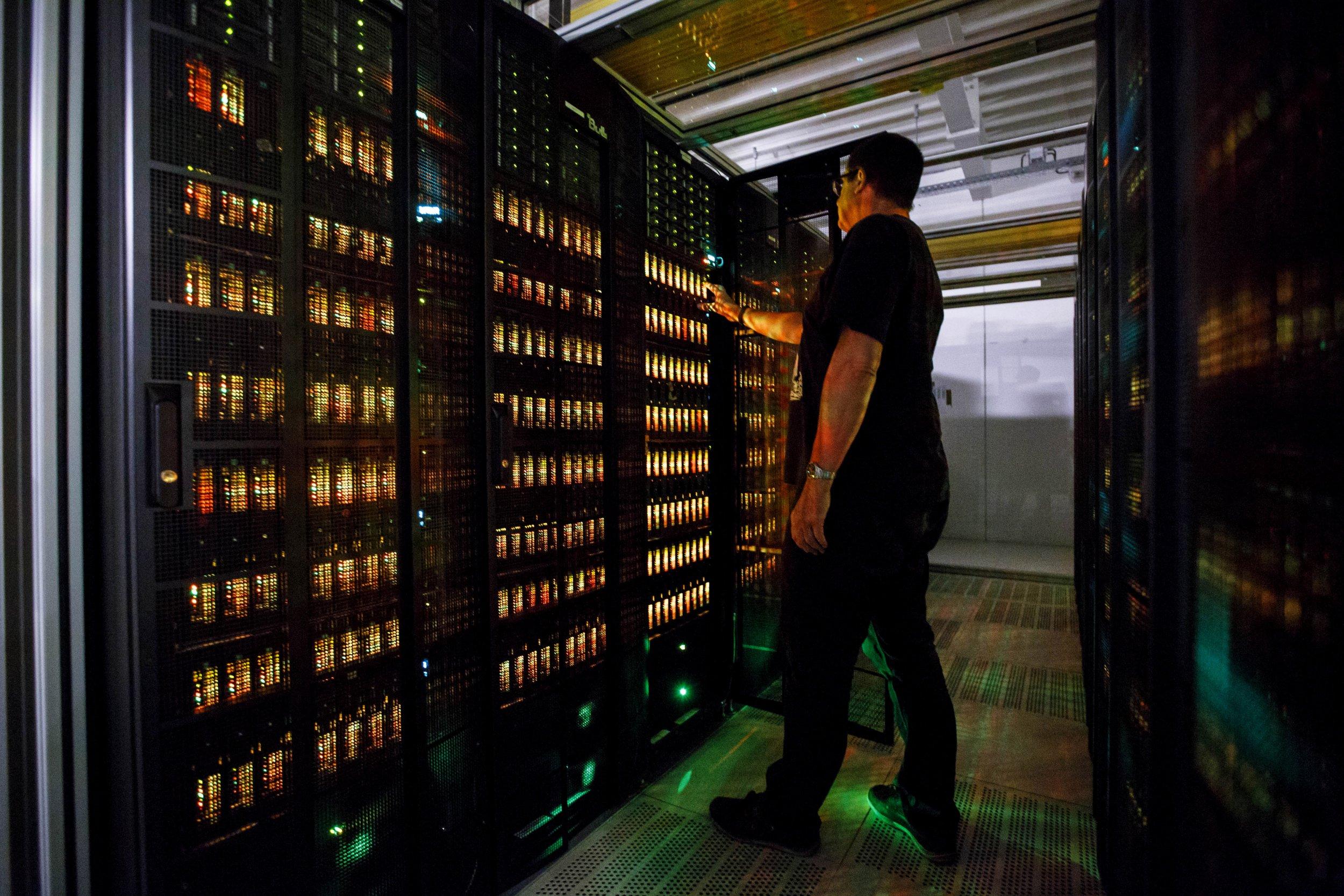 1009_supercomputer_AI