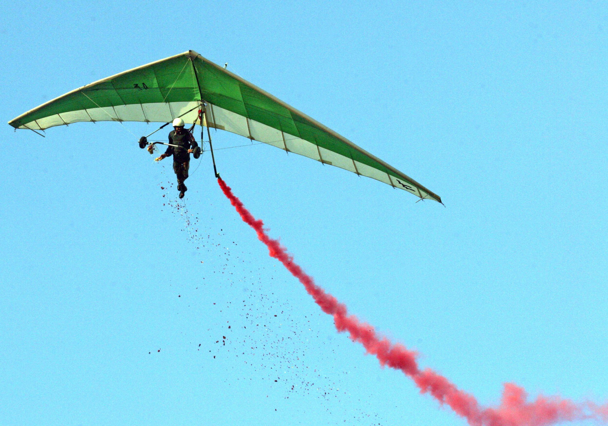 10_10_Paraglider