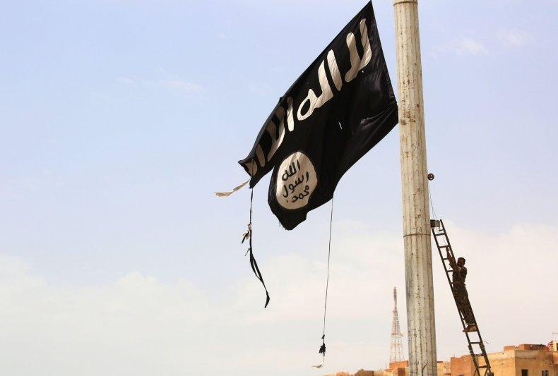 10_12_Raqqa_Isis_Flag