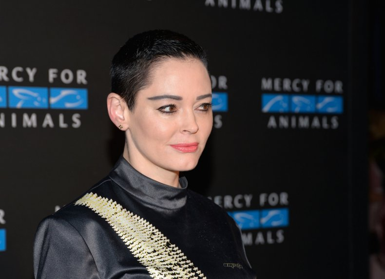 Rose McGowan prompts Twitter boycott