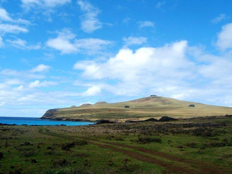 10_13_Easter Island landscape