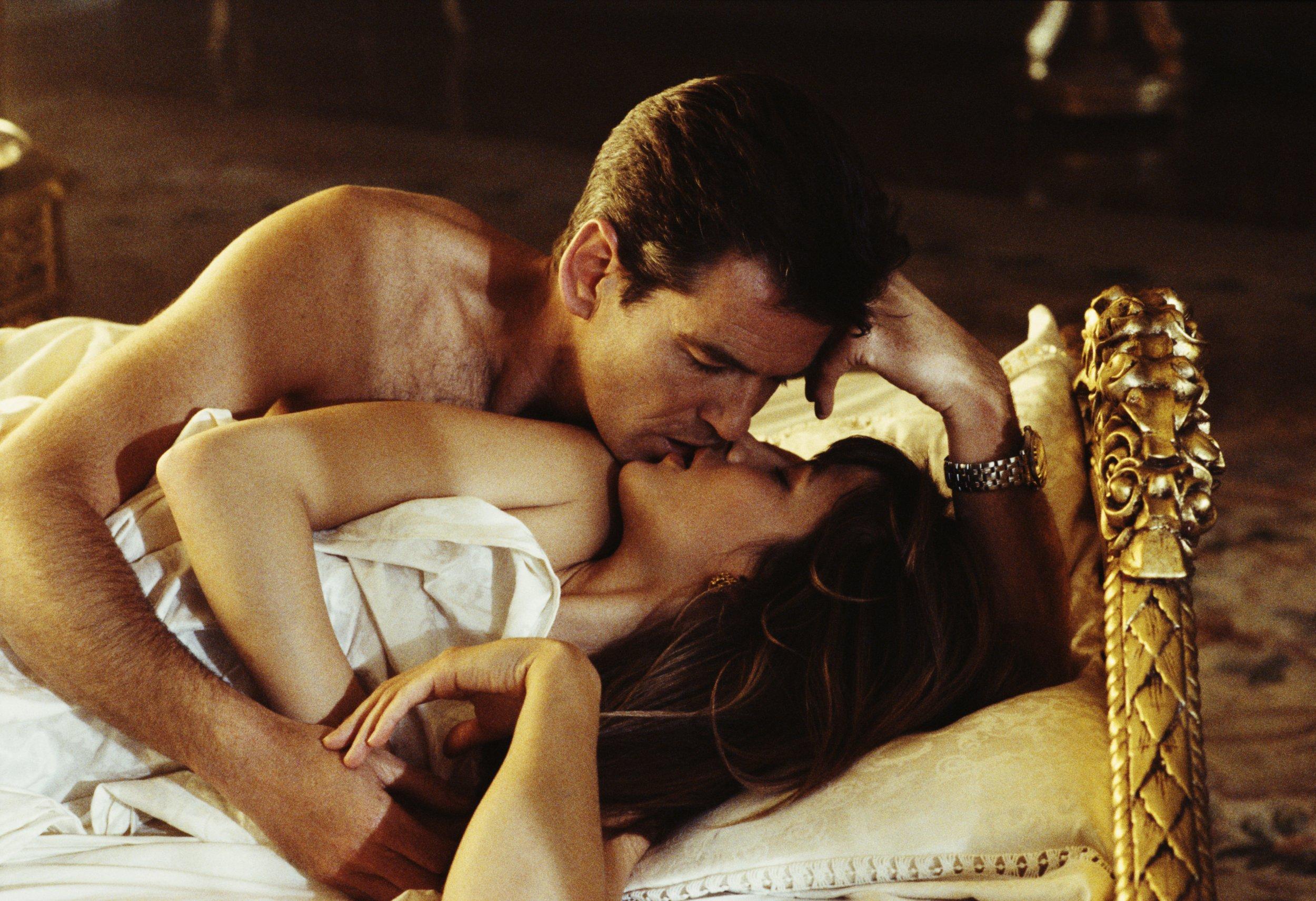 Hayden panettiere james bond sex movie anal sex face