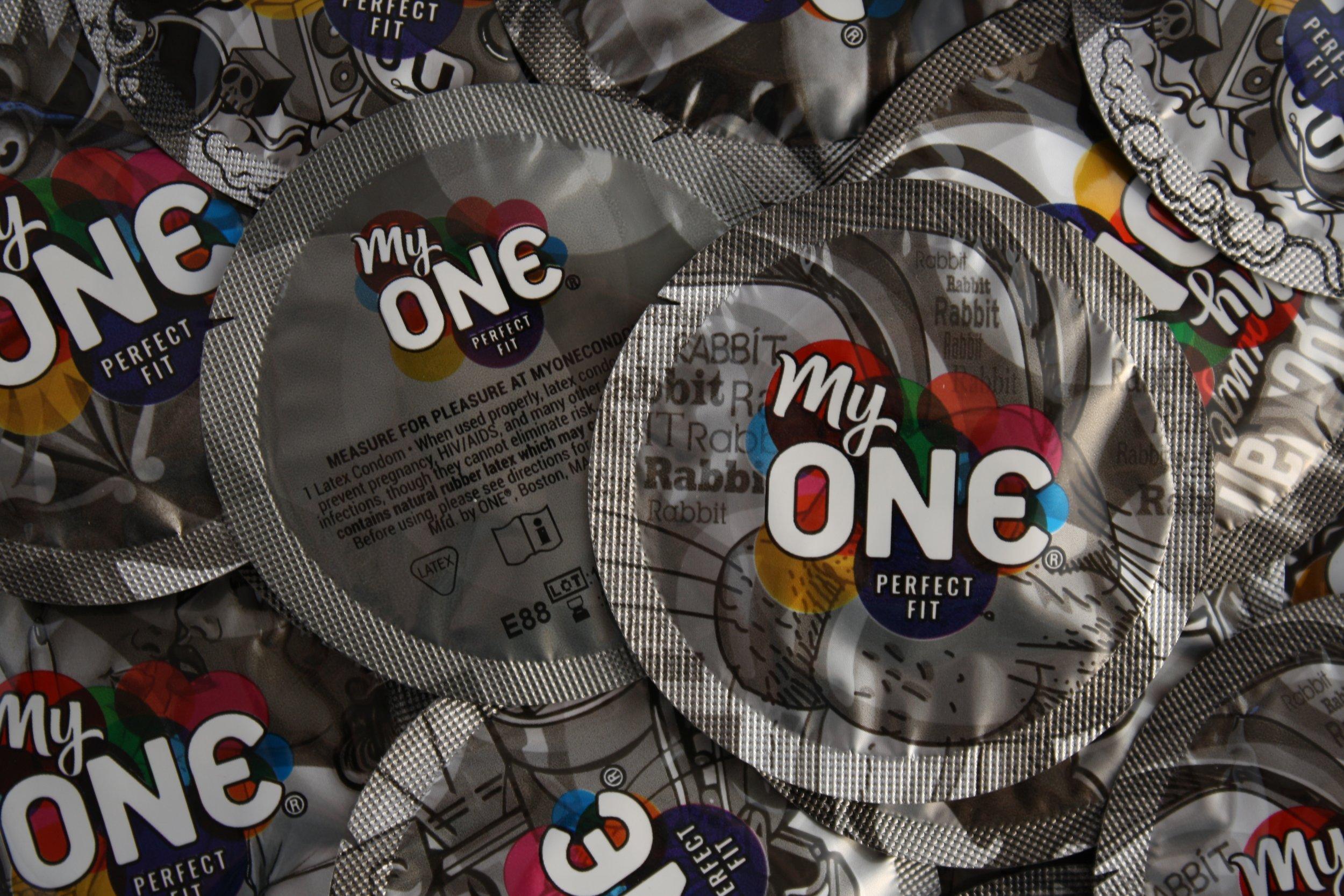 10_13_myONE Perfect Fit condoms