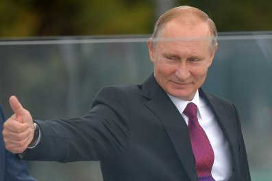 10_17_Woman_vs_Putin