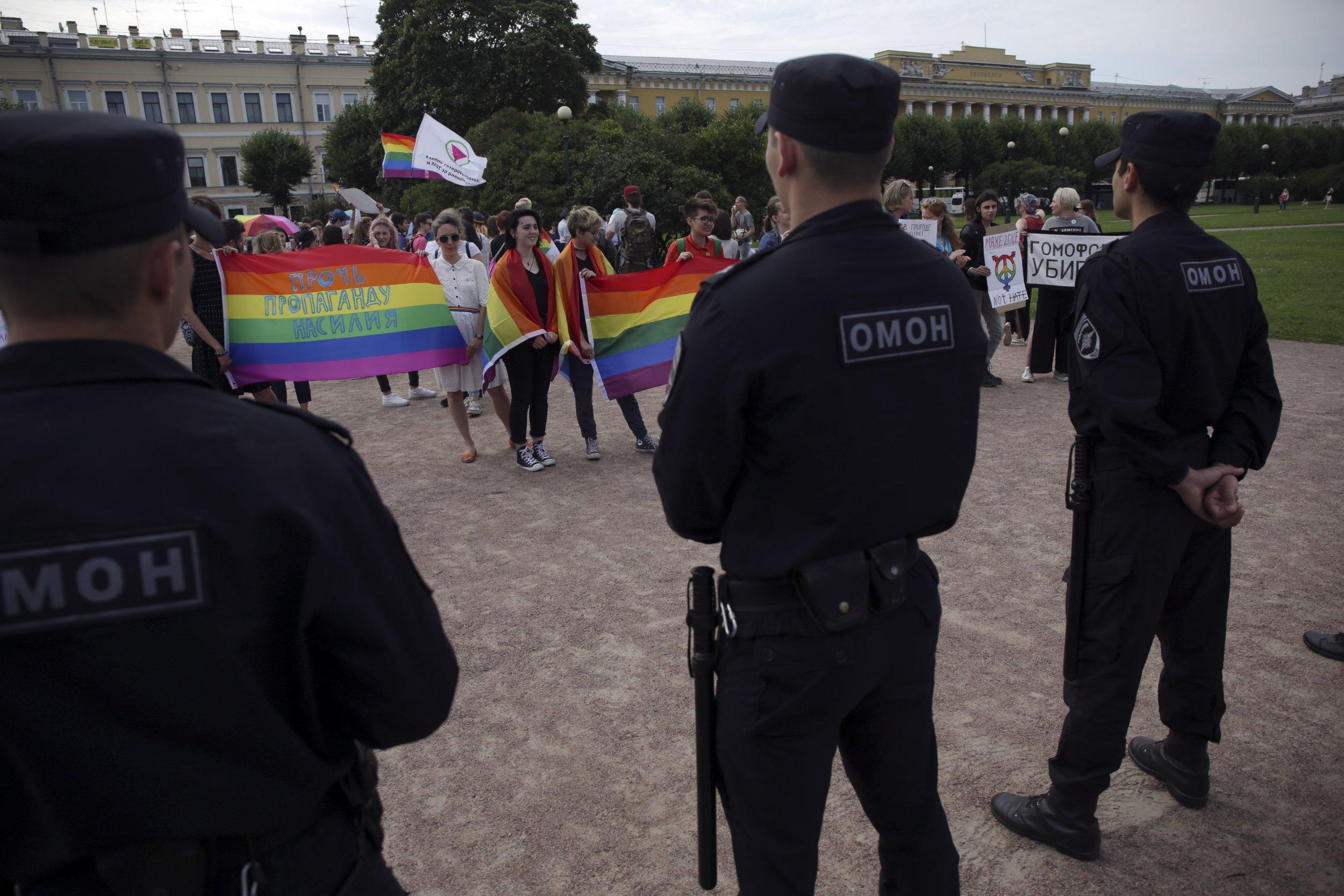 10_19_Russia_LGBT