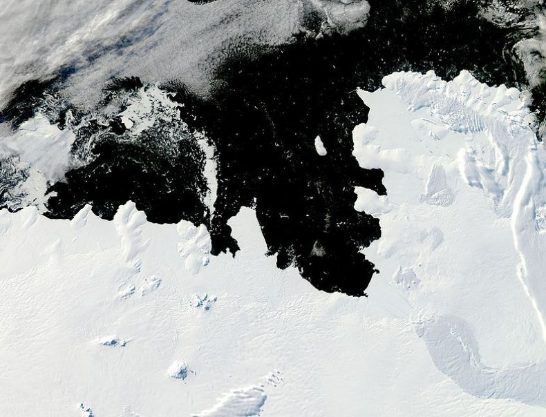 784px-Walgreen_Coast,_West_Antarctica