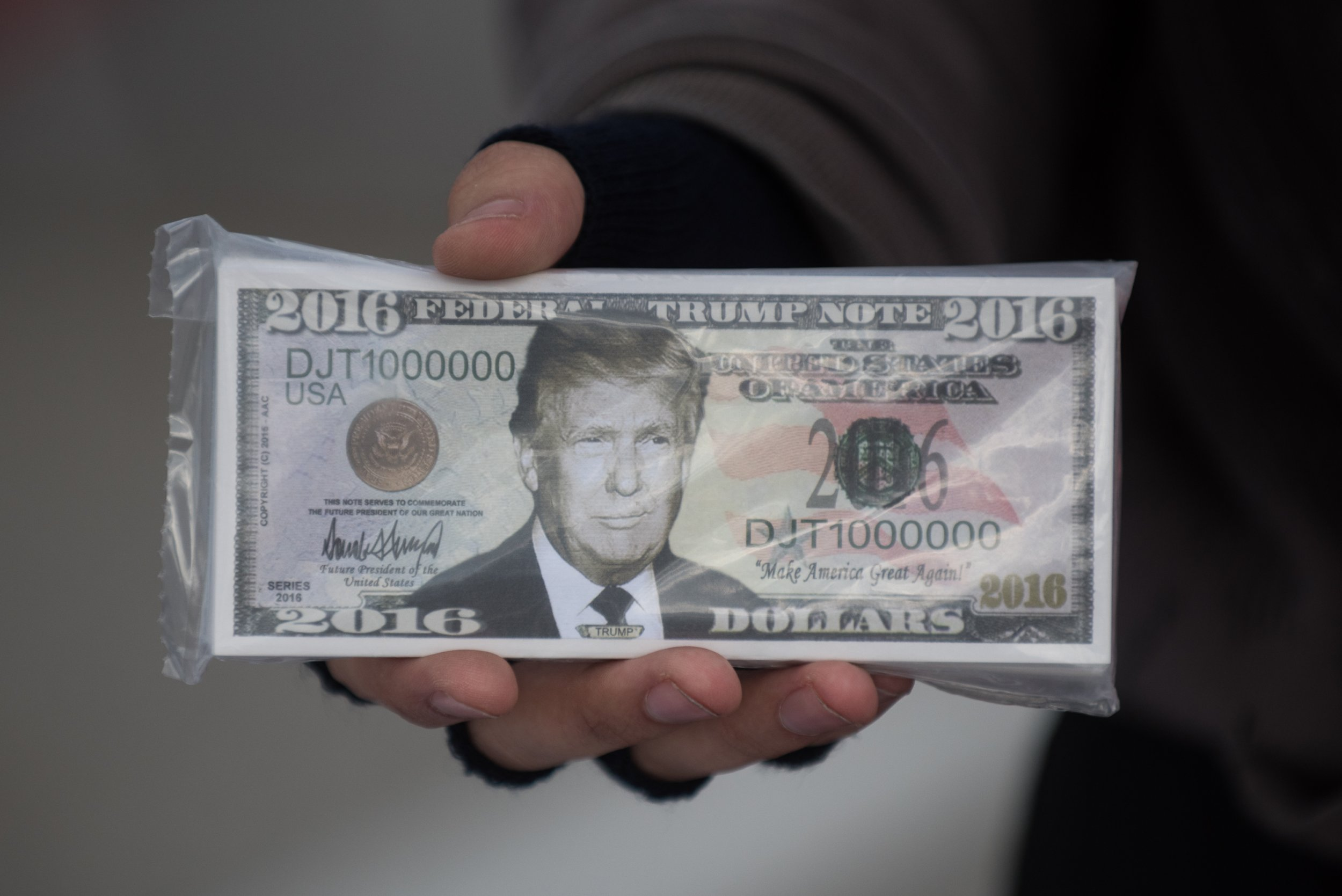 Trump_Money_102017