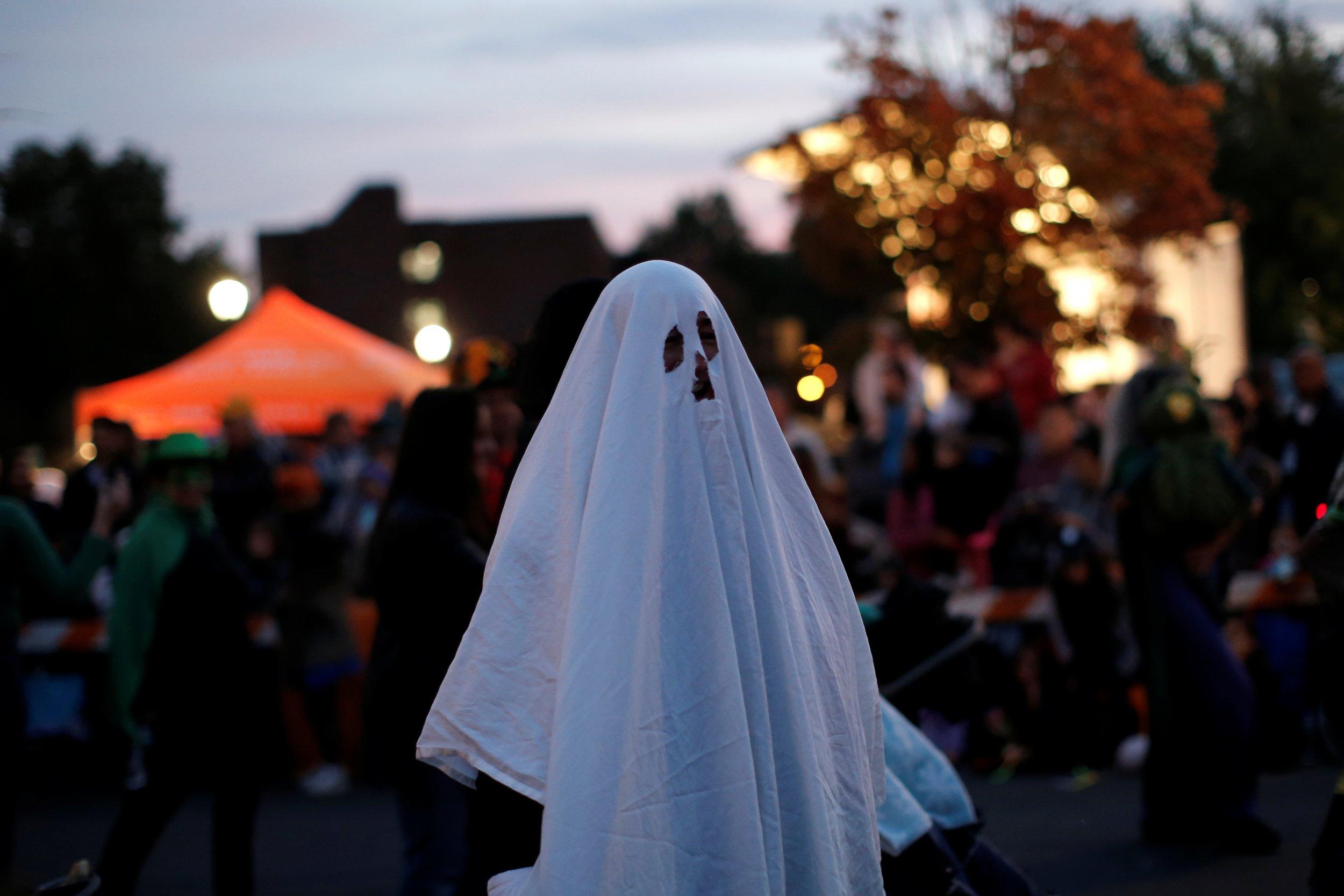 10_20_ghost_Halloween