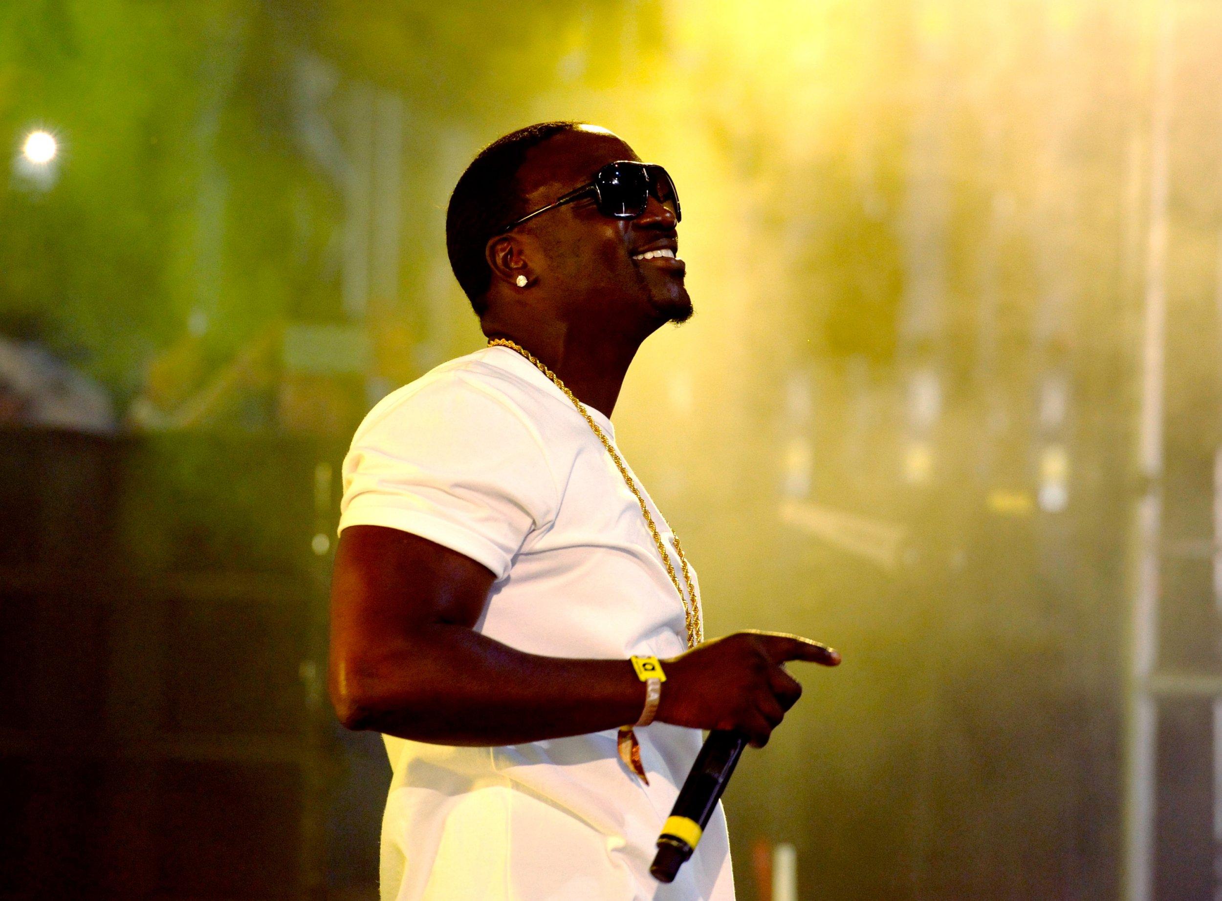 1023_Akon
