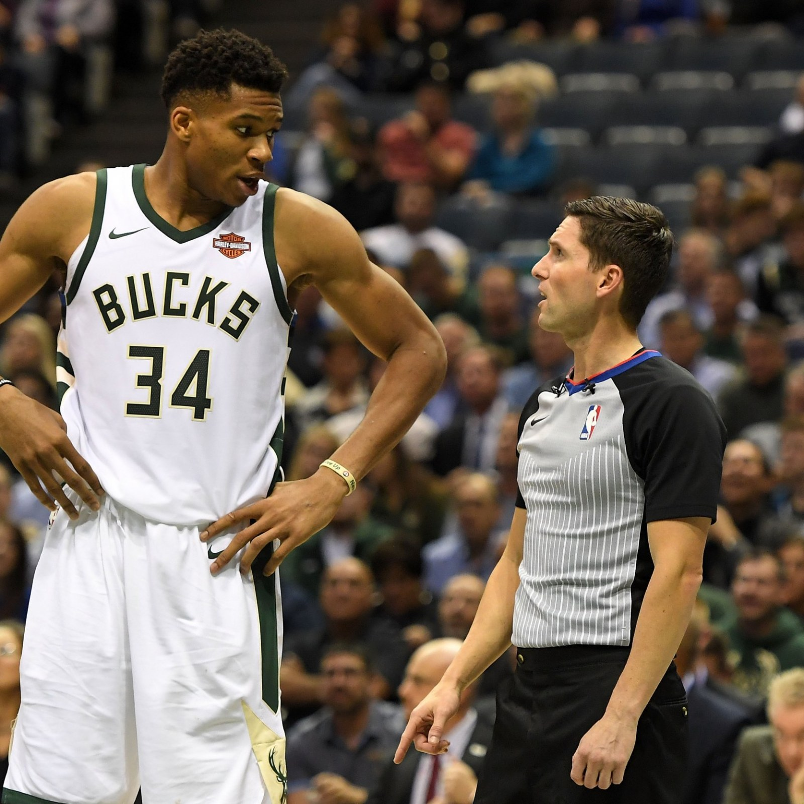 Is Lebron Now The Nba S Second Best Player Giannis Antetokounmpo Put On Another Show Against The Hornets