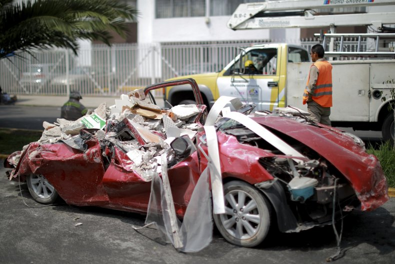 10_24_mexico earthquake_car