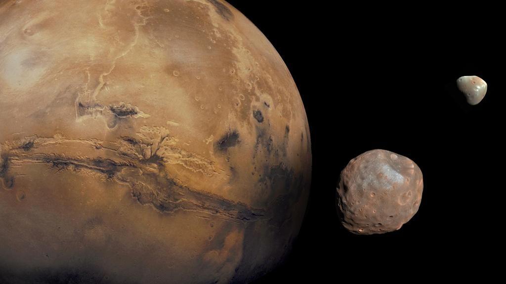 10_24_mars_phobos_moon