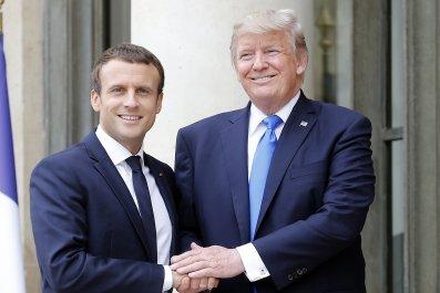 10_25_MacronTrump_01