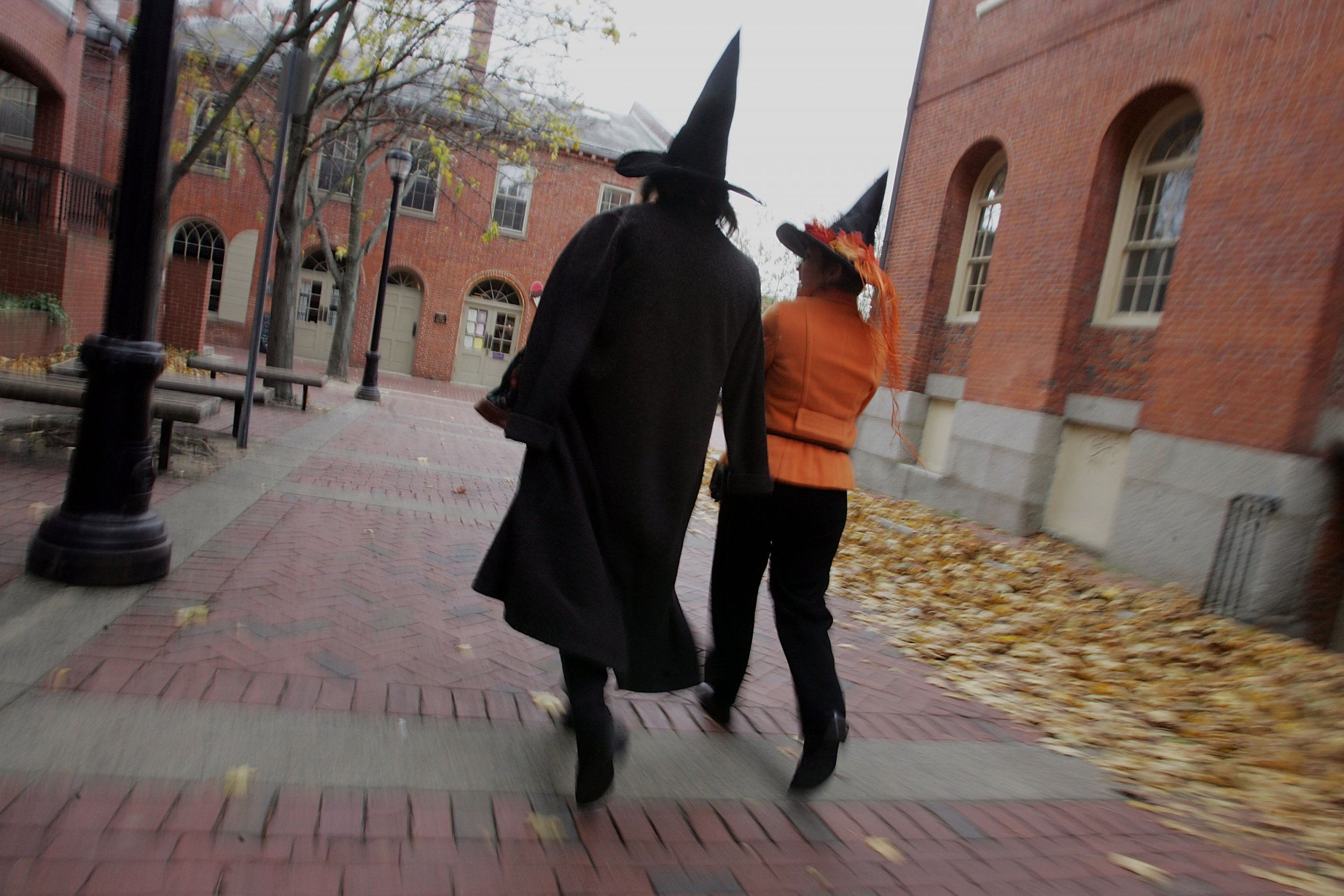 10_27_salem_witches_halloween